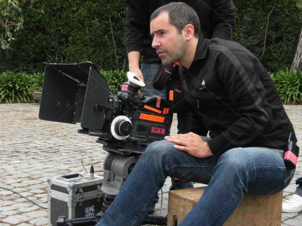 Il regista Paolo Geremei durante le riprese del film